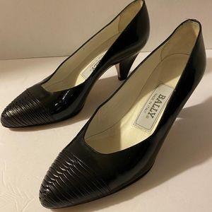 Vintage Black Patent Leather Kitten Heels